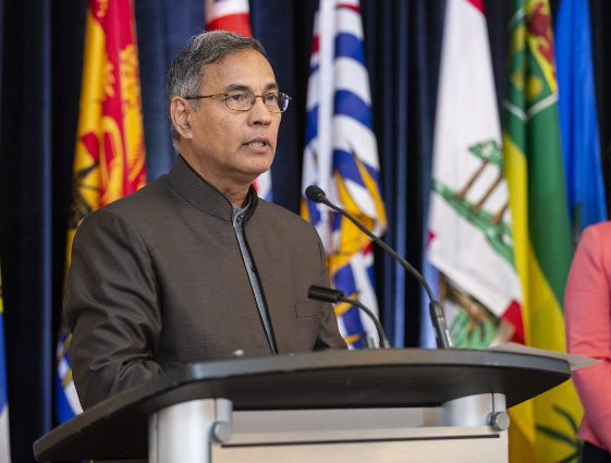 Jayas receives Order of Canada for contributions to agriculture